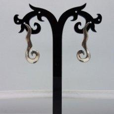 Jewelry - Originales pendientes vintage en plata de ley contrastada con forma de cenefa, hechos a mano . - 95489619