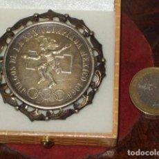 Joyeria: BROCHE,COLGANTE DE PLATA CON MONEDA DE 25 PESOS MEXICANOS DE PLATA. JUEGOS OLIMPICOS 1968. Lote 95753539