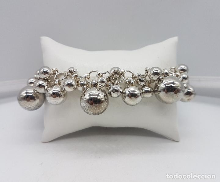 Joyeria: Original pulsera vintage en plata de ley contrastada con dijes en forma de perla de varios tamaños . - Foto 3 - 96802899