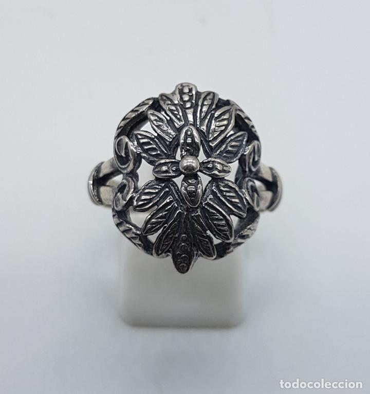 Joyeria: Bella sortija antigua en plata de ley punzunada y bellamente cincelada a mano, de estilo Victoriano. - Foto 2 - 97054531