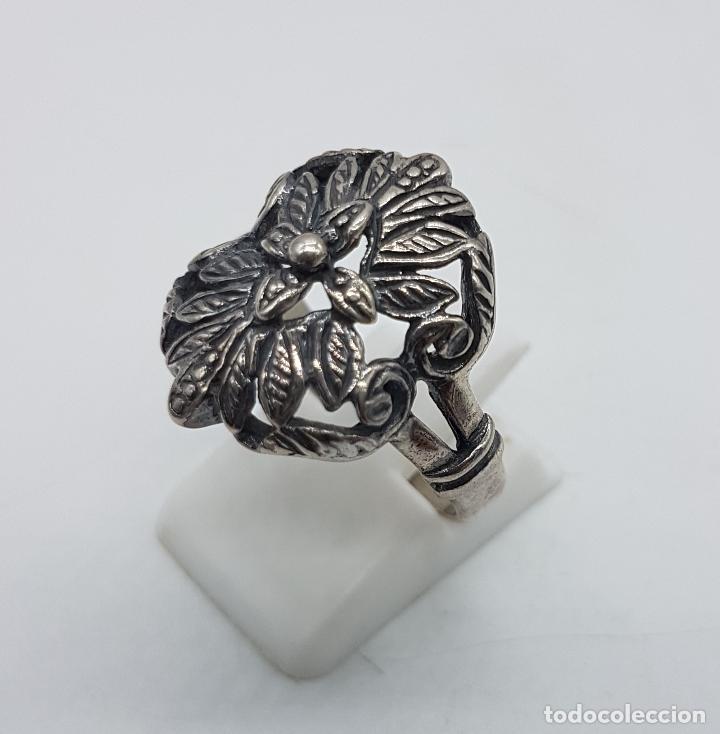Joyeria: Bella sortija antigua en plata de ley punzunada y bellamente cincelada a mano, de estilo Victoriano. - Foto 3 - 97054531