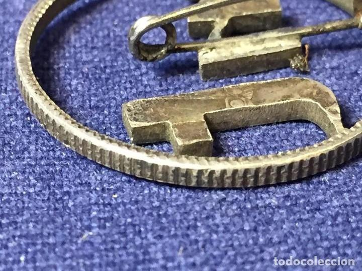 Joyeria: Broche prendedor aguja moneda plata calada iniciales mt a partir moneda dos pesetas alfonso XII XIII - Foto 5 - 97104191