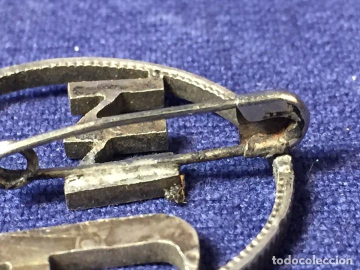 Joyeria: Broche prendedor aguja moneda plata calada iniciales mt a partir moneda dos pesetas alfonso XII XIII - Foto 4 - 97104191