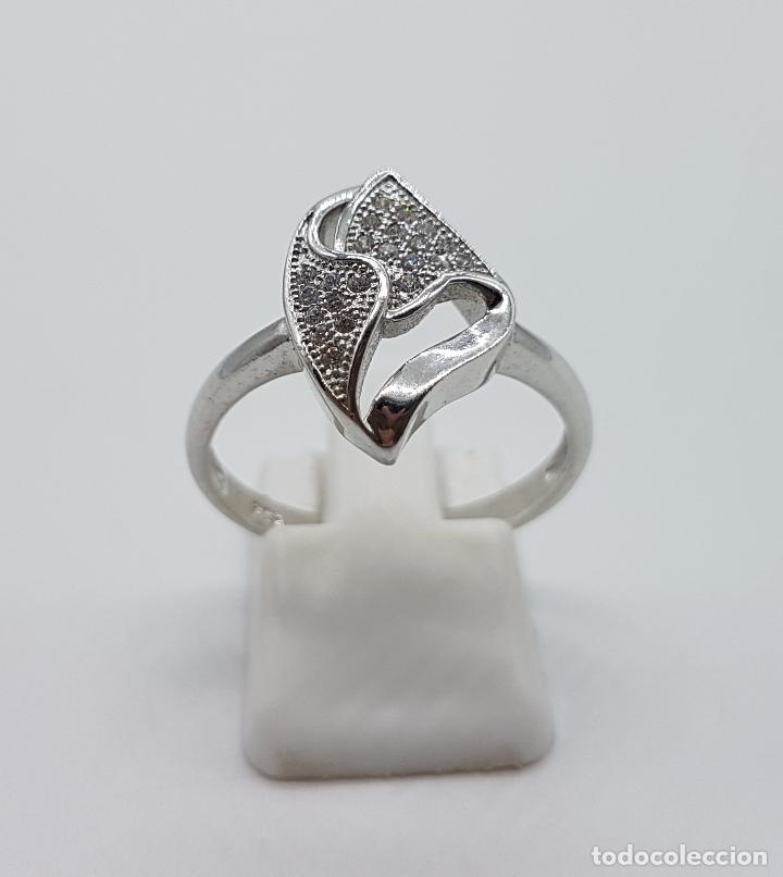 Joyeria: Bella sortija vintage en plata de ley contrastada con pavé de circonitas talla brillante . - Foto 2 - 97878363