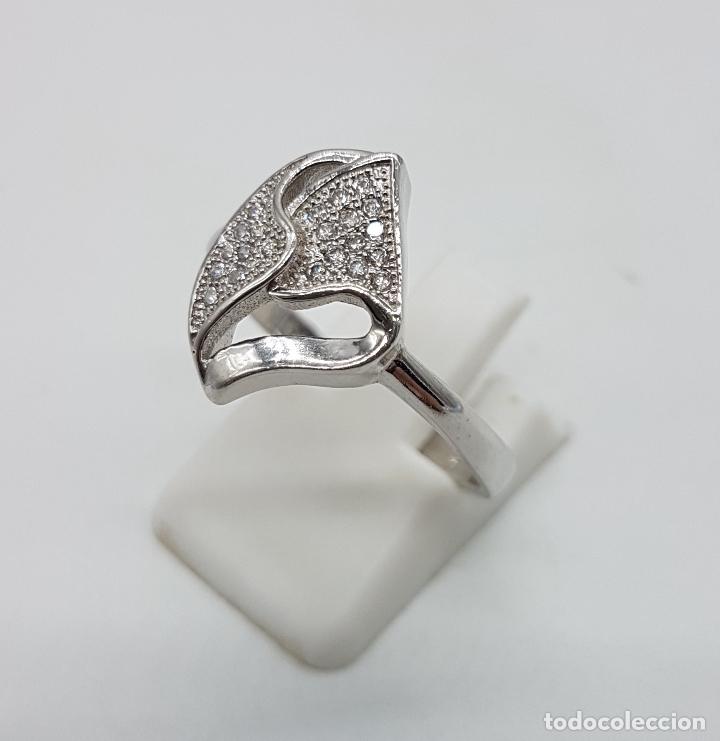 Joyeria: Bella sortija vintage en plata de ley contrastada con pavé de circonitas talla brillante . - Foto 3 - 97878363