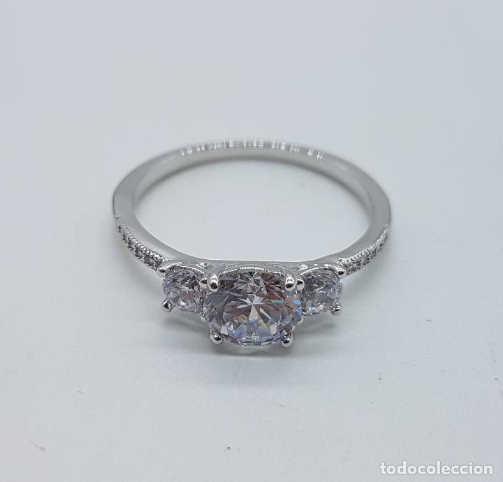 Joyeria: Bella sortija vintage tipo solitario chapado en plata de ley con circonitas talla diamante . - Foto 6 - 107907902