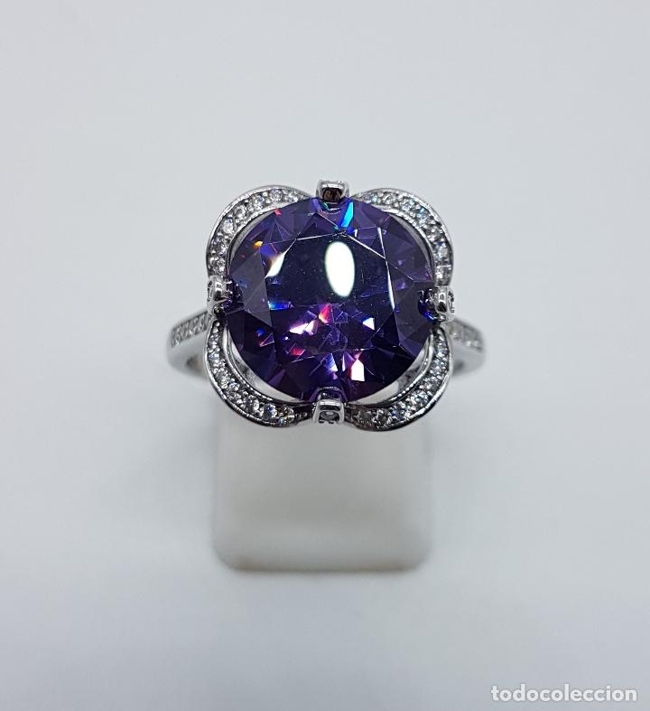 Joyeria: Gran sortija de estilo modernista en plata de ley, pavé de circonitas y amatista talla diamante . - Foto 2 - 98237339