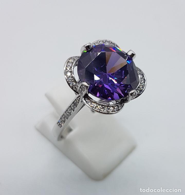Joyeria: Gran sortija de estilo modernista en plata de ley, pavé de circonitas y amatista talla diamante . - Foto 3 - 98237339