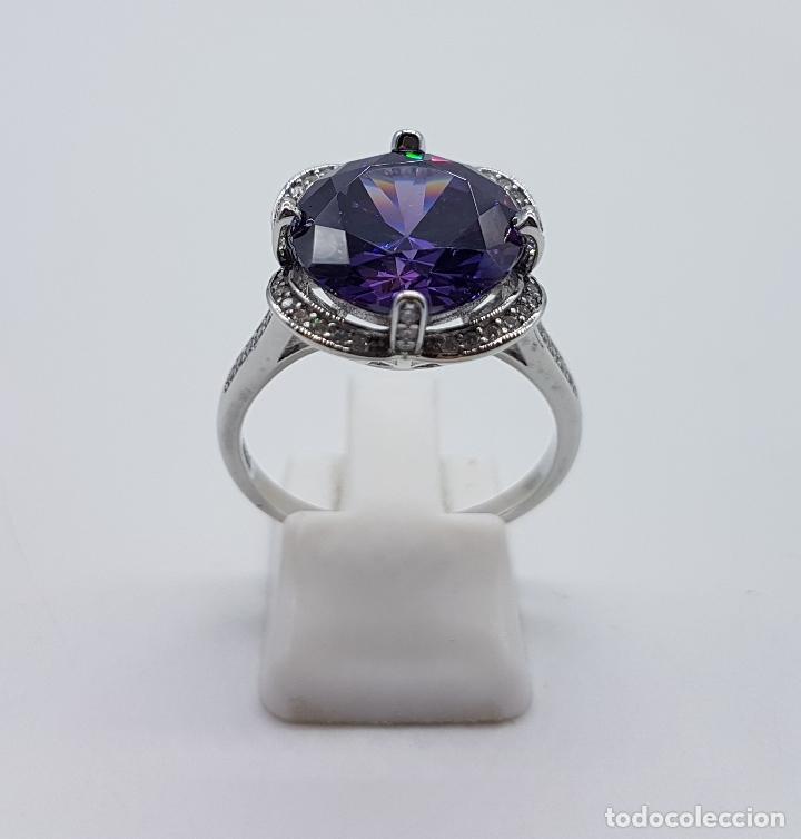 Joyeria: Gran sortija de estilo modernista en plata de ley, pavé de circonitas y amatista talla diamante . - Foto 4 - 98237339