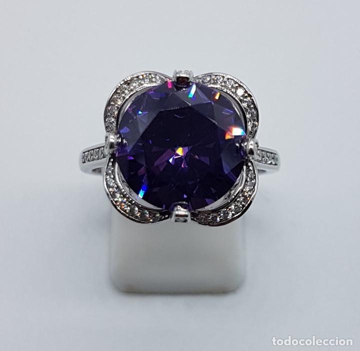Joyeria: Gran sortija de estilo modernista en plata de ley, pavé de circonitas y amatista talla diamante . - Foto 5 - 98237339
