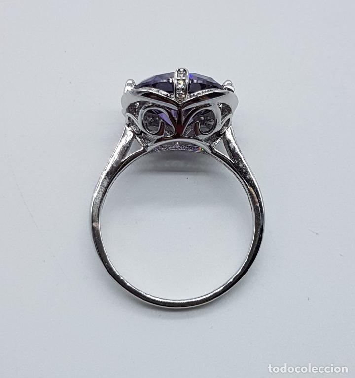Joyeria: Gran sortija de estilo modernista en plata de ley, pavé de circonitas y amatista talla diamante . - Foto 6 - 98237339