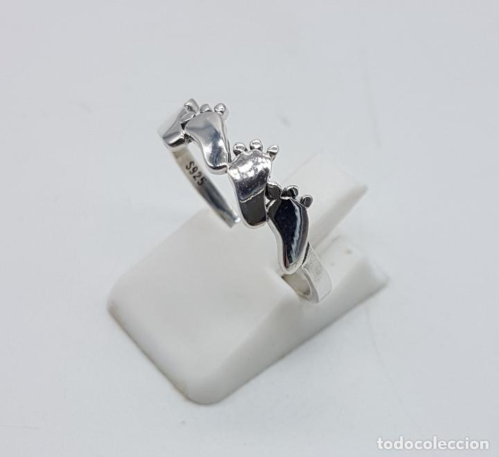 Joyeria: Original anillo tipo vintage en plata de ley contrastada con huellas de pie bellamente troquelados . - Foto 2 - 98721015