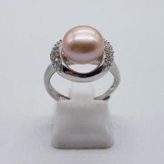 Jewelry - Bello anillo de estilo clasico en plata de ley, perla nacarada y circonitas talla brillante . - 116336251