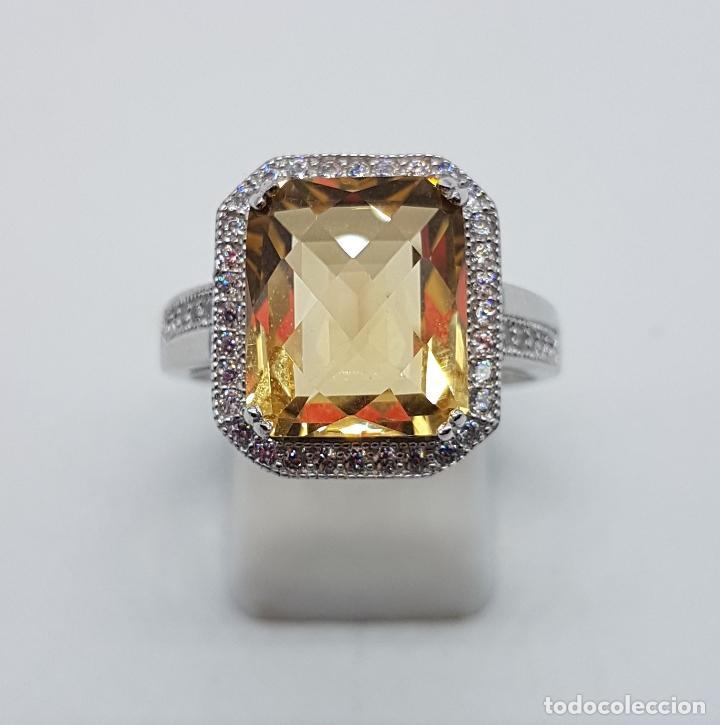 Joyeria: Magnífico anillo tipo imperial en plata de ley, gran topacio talla esmeralda facetada y circonitas . - Foto 2 - 140068658