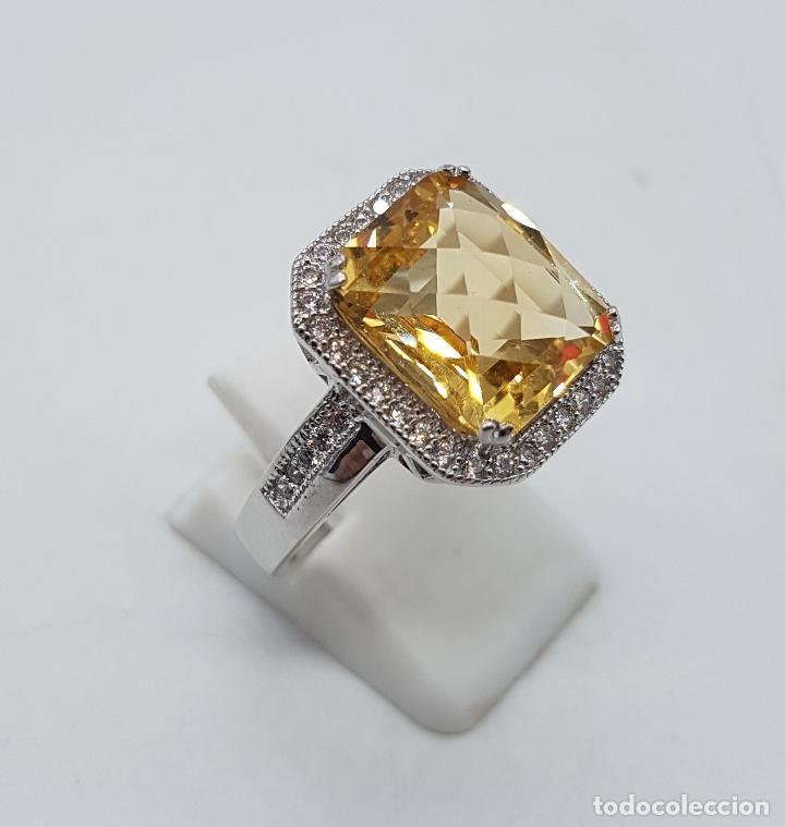 Joyeria: Magnífico anillo tipo imperial en plata de ley, gran topacio talla esmeralda facetada y circonitas . - Foto 3 - 140068658