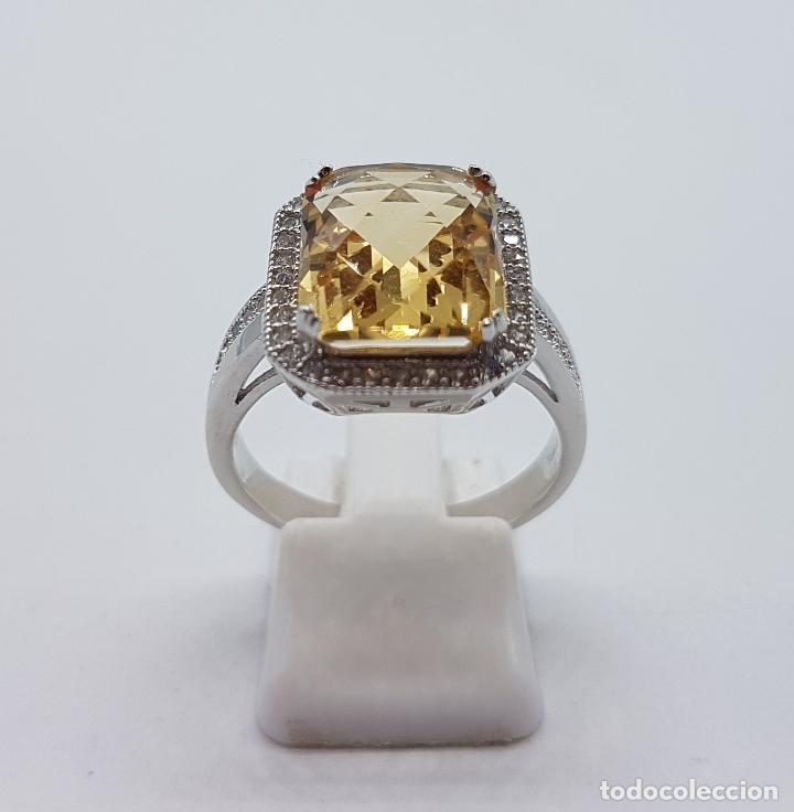 Joyeria: Magnífico anillo tipo imperial en plata de ley, gran topacio talla esmeralda facetada y circonitas . - Foto 4 - 140068658
