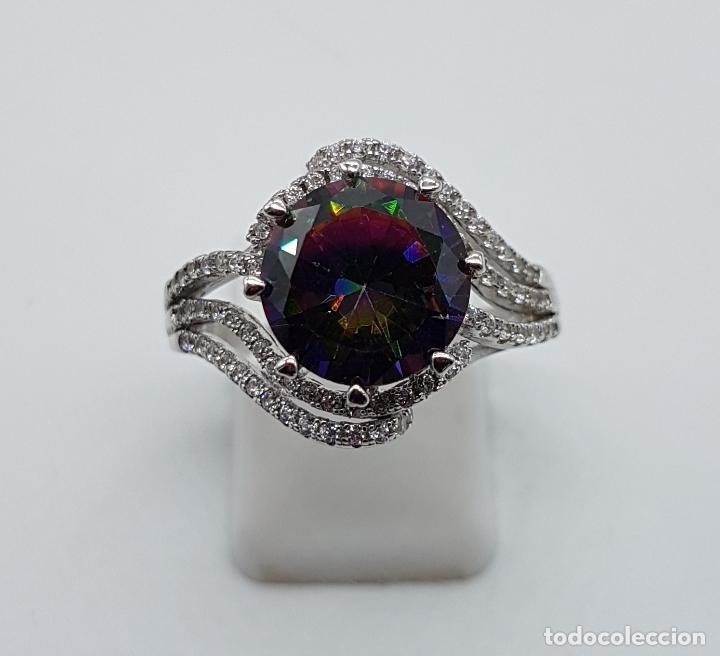 Joyeria: Bella sortija de estilo modernista en plata de ley, circonitas y topacio mistico talla diamante . - Foto 2 - 102278555
