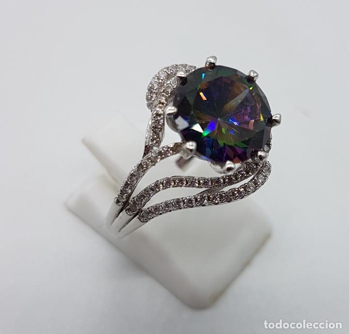 Joyeria: Bella sortija de estilo modernista en plata de ley, circonitas y topacio mistico talla diamante . - Foto 3 - 102278555