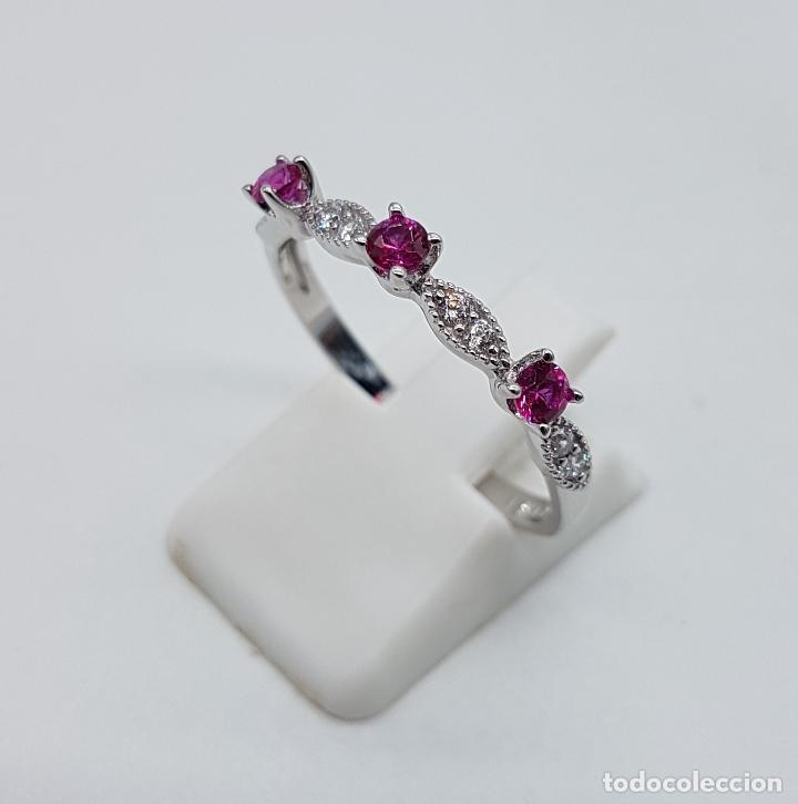 Joyeria: Bella sortija estilo vintage en plata de ley, topacios talla diamante y circonitas talla brillante . - Foto 2 - 150245148