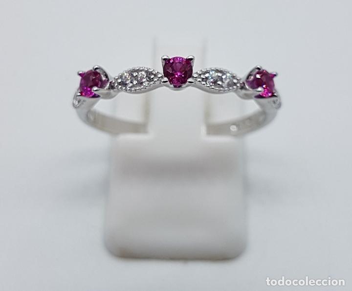 Joyeria: Bella sortija estilo vintage en plata de ley, topacios talla diamante y circonitas talla brillante . - Foto 3 - 150245148