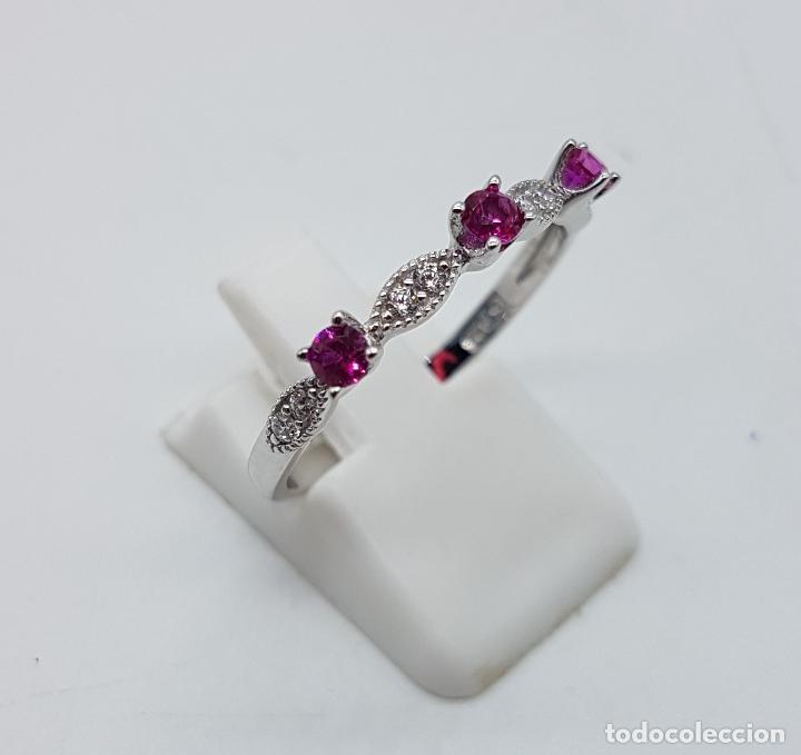 Joyeria: Bella sortija estilo vintage en plata de ley, topacios talla diamante y circonitas talla brillante . - Foto 4 - 150245148