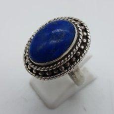 Jewelry - Gran anillo antiguo en plata de ley contrastada y cincelada con cabujón de lapislázuli autentico . - 102444575