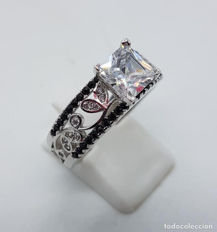 Joyeria: Anillo de estilo art decó en plata de ley contrastada, circonitas blancas y negras talla brillante . - Foto 4 - 229286020