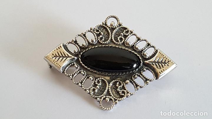 Joyeria: Original broche realizado en plata y azabache. Artesanía en plata. - Foto 2 - 103199319