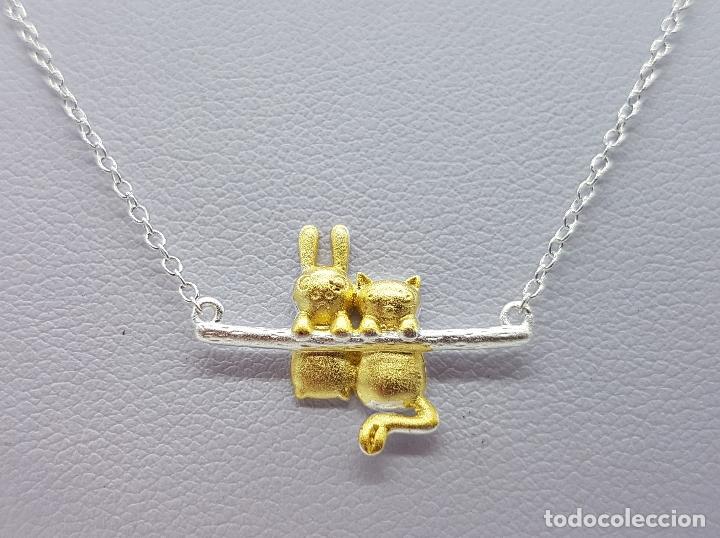 Joyeria: Bella gargantilla en plata de ley contrastada y oro de 18k, con gato y conejo en relieve . - Foto 2 - 103225691