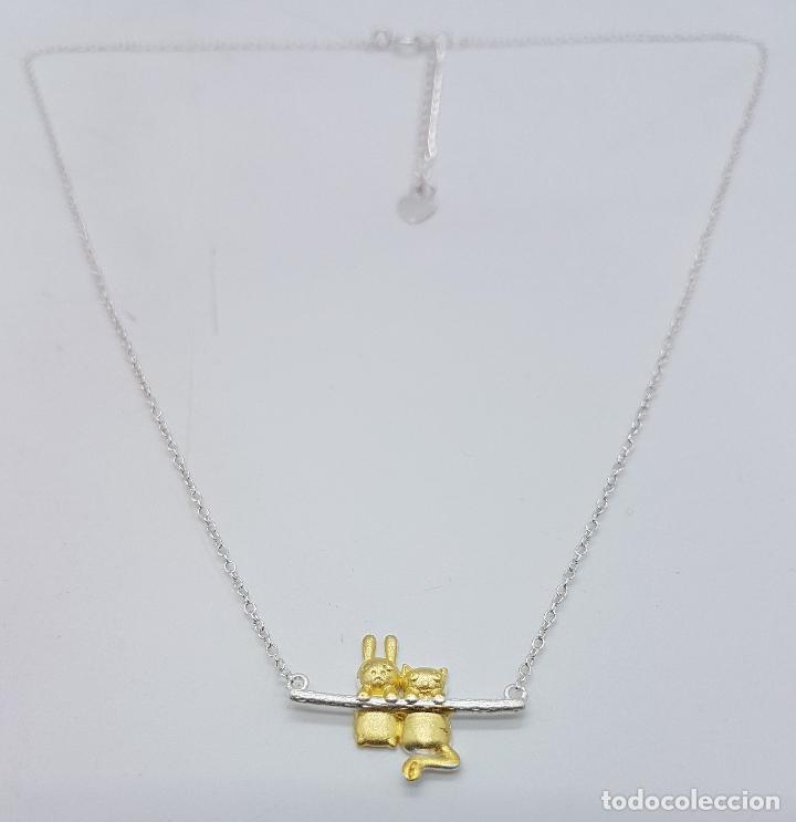 Joyeria: Bella gargantilla en plata de ley contrastada y oro de 18k, con gato y conejo en relieve . - Foto 3 - 103225691