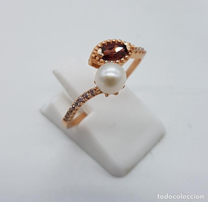 Joyeria: Bella sortija de estilo victoriano en plata de ley, oro de 18k, circonitas, perla y granate . - Foto 3 - 103778531