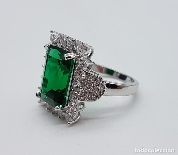 Joyeria: Magnífico anillo de estilo Victoriano en plata de ley, circonitas y topacio verde talla esmeralda . - Foto 6 - 103783015