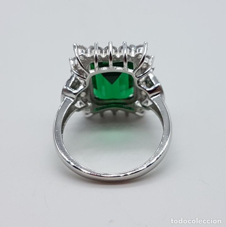 Joyeria: Magnífico anillo de estilo Victoriano en plata de ley, circonitas y topacio verde talla esmeralda . - Foto 8 - 103783015