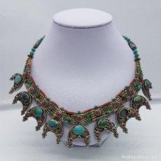 Jewelry: GARGANTILLA ANTIGUA NEPALÍ DE ESTILO ETNICO EN PLATA DE LEY PUNZONADA, CORAL Y TURQUESAS AUTENTICAS.. Lote 103967191
