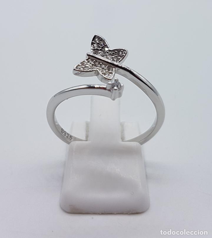 Joyeria: Bella sortija en plata de ley punzonada con mariposa en pavé de circonitas y circonita talla diamant - Foto 3 - 104220583