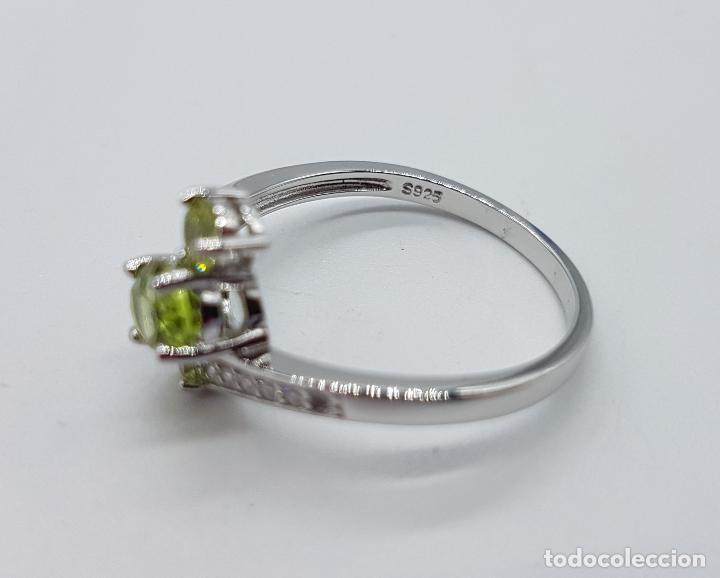 Joyeria: Bella sortija de estilo vintage en plata de ley, olivinas , y circonitas talla brillante . - Foto 5 - 154591658
