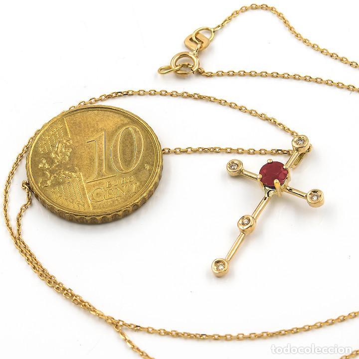 Joyeria: Collar con Colgante Cruz con Diamantes y Rubí en Oro 18K - Foto 5 - 104396555