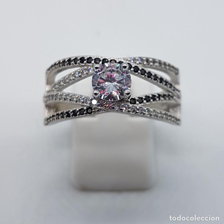 Joyeria: Bella sortija de estilo clasico en plata de ley contrastada, circonitas y azabaches talla brillante. - Foto 5 - 133664735