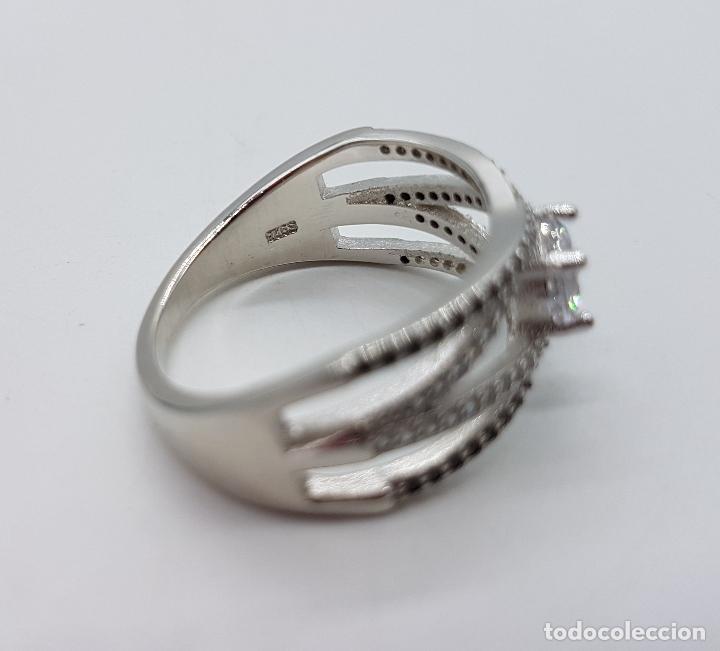Joyeria: Bella sortija de estilo clasico en plata de ley contrastada, circonitas y azabaches talla brillante. - Foto 7 - 133664735