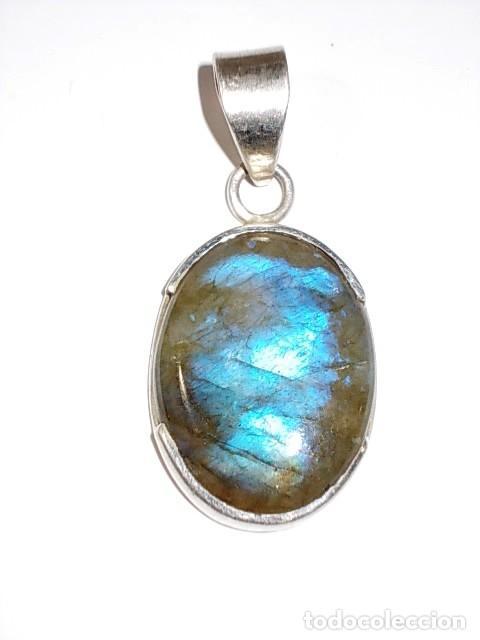 5c992e096f9a Antiguo colgante de plata 925 con preciosa piedra de diferentes tonalidades  azules - España - Antiguo