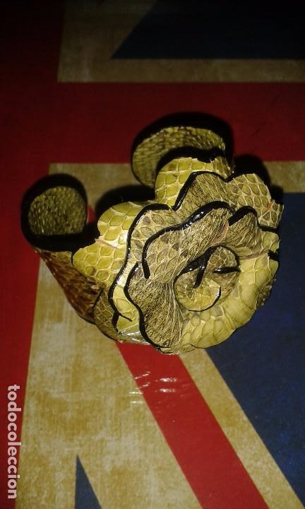 Joyeria: Pulsera brazalete retro de piel de serpiente autentica, forma de flor, vintage años 70 - 80s - Foto 5 - 105897975