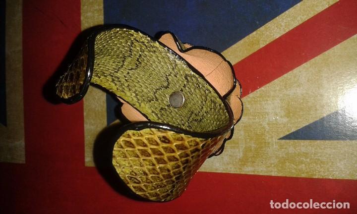 Joyeria: Pulsera brazalete retro de piel de serpiente autentica, forma de flor, vintage años 70 - 80s - Foto 3 - 105897975