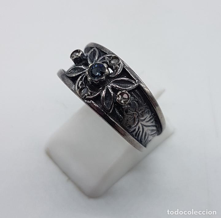 Joyeria: Anillo antiguo Victoriano en plata de ley punzonada bellamente labrada con circonitas y zafiro . - Foto 2 - 180028506