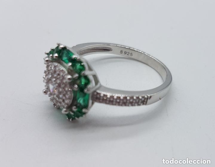 Joyeria: Sortija de estilo art nouveau en plata de ley, circonitas talla brillante y esmeraldas engarzadas . - Foto 5 - 160308460