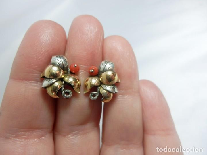 Joyeria: Precioso broche años 20 Art Decó en plata y vistas de oro de 18 con pendientes a juego coral - Foto 2 - 106926679