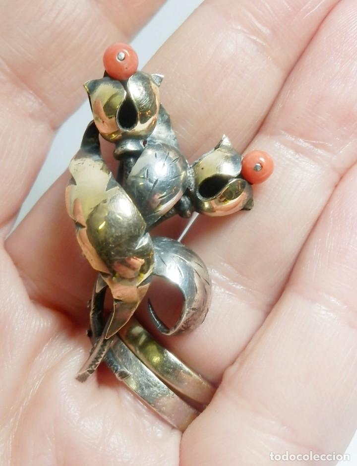 Joyeria: Precioso broche años 20 Art Decó en plata y vistas de oro de 18 con pendientes a juego coral - Foto 3 - 106926679