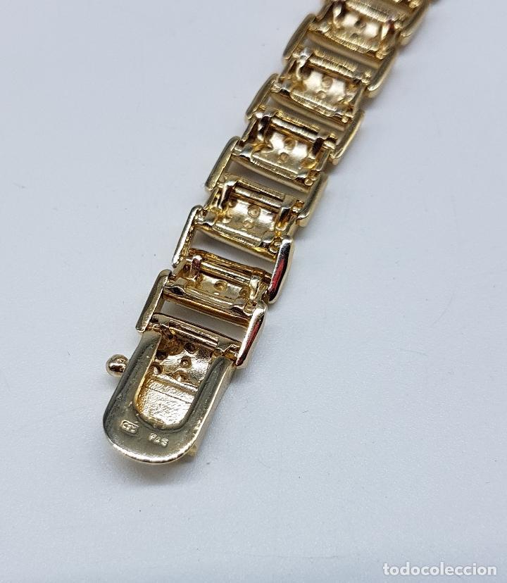 Joyeria: Pulsera antigua en plata de ley contrastada, oro amarillo y blanco de 18k, con bellos grabados . - Foto 9 - 198608141