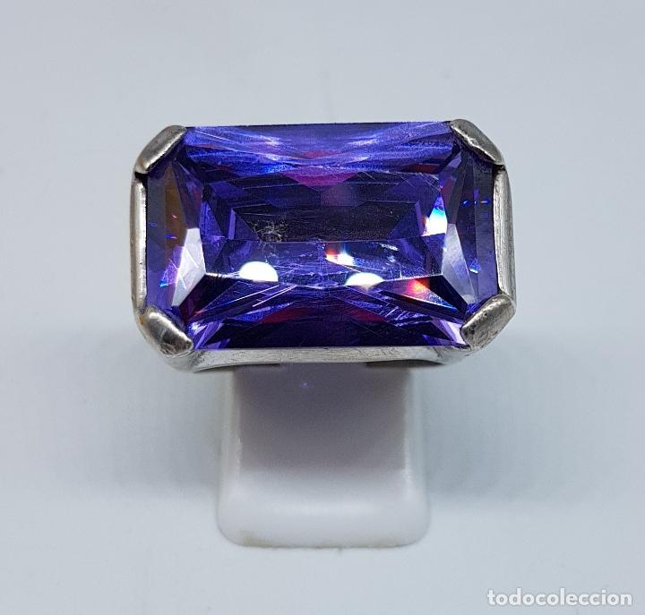 Joyeria: Espectacular anillo antiguo en plata de ley contrastada con amatista talla esmeralda engarzada . - Foto 2 - 107097499