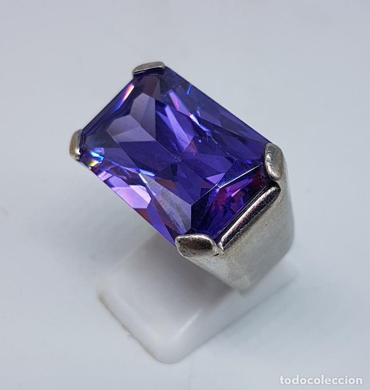 Joyeria: Espectacular anillo antiguo en plata de ley contrastada con amatista talla esmeralda engarzada . - Foto 3 - 107097499