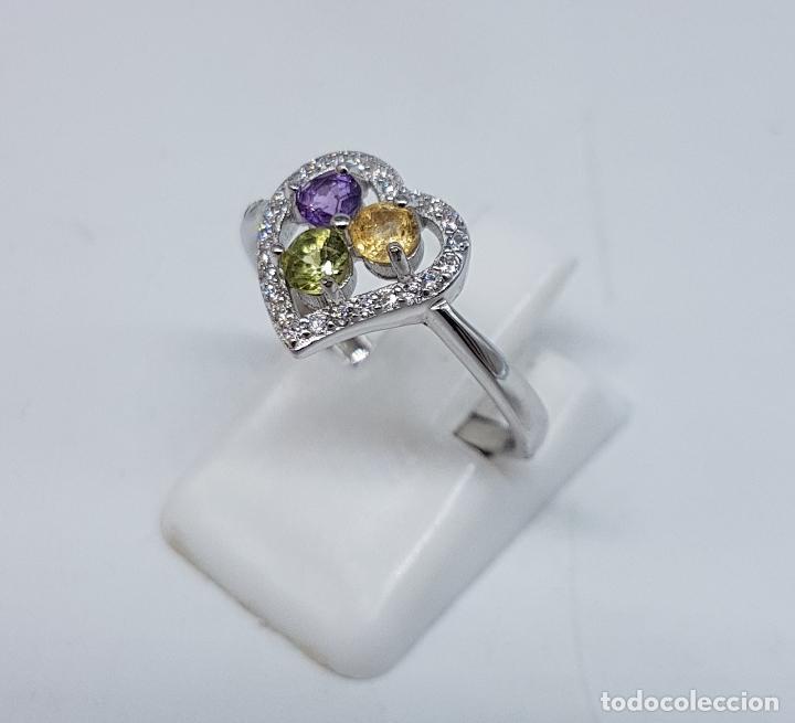 Joyeria: Bella sortija de pedida en plata de ley con circonitas, amatista, citrino y peridoto talla diamante. - Foto 2 - 107380839